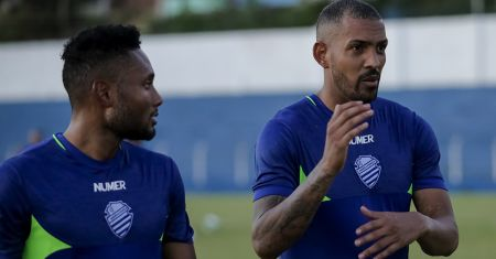 Rayro (e) e Everton Heleno (d): peças importantes no elenco do CSA